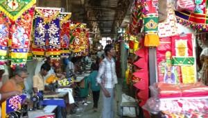 Pudumandapam shopping